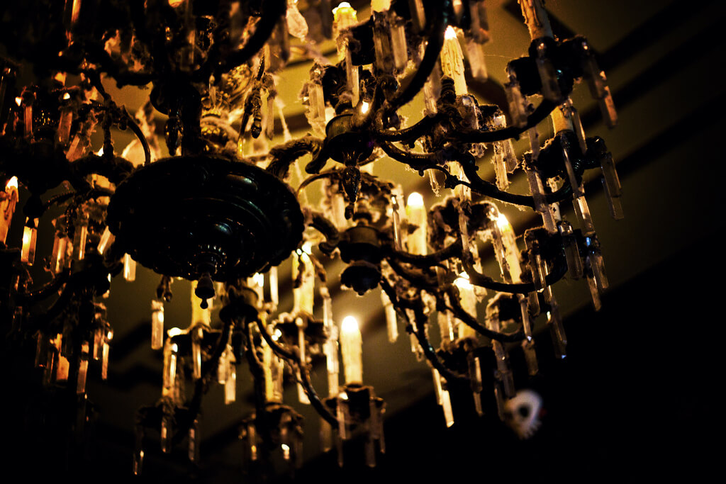 photo of chandelier