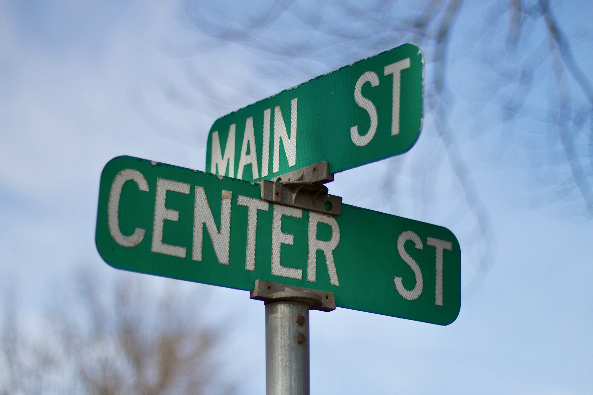 photo of a Main Street sign